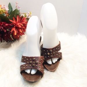 Sam & Libby Wooden Studded Leather Heeled Sandals